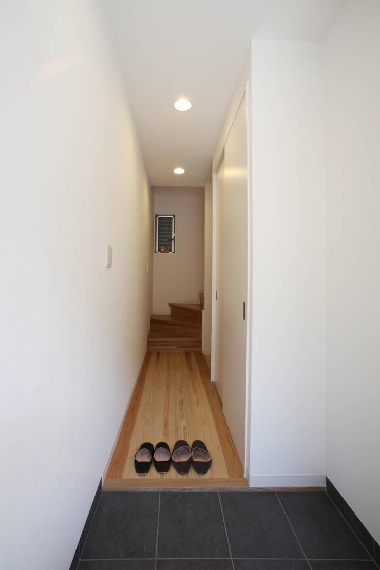 Koridor dan lorong oleh atelier m