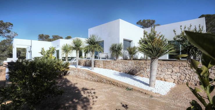 Casas minimalistas por MG&AG.ARQUITECTOS