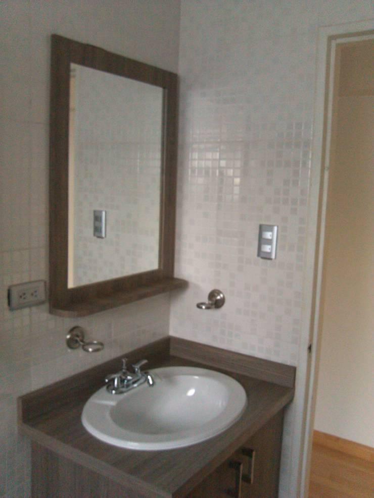 Bathroom by Artesanía Ceramica y Madera
