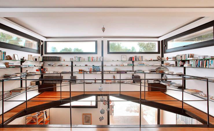 Estudios y oficinas de estilo  por MG&AG.ARQUITECTOS