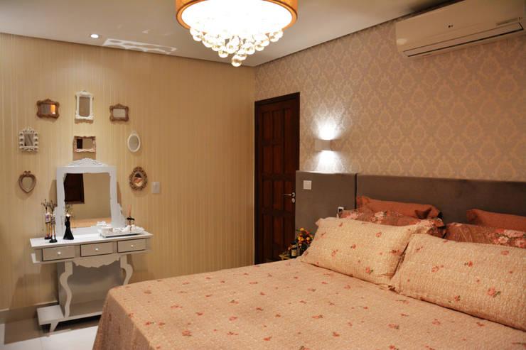 Dormitorios de estilo moderno por CARDOSO CHOUZA ARQUITETOS