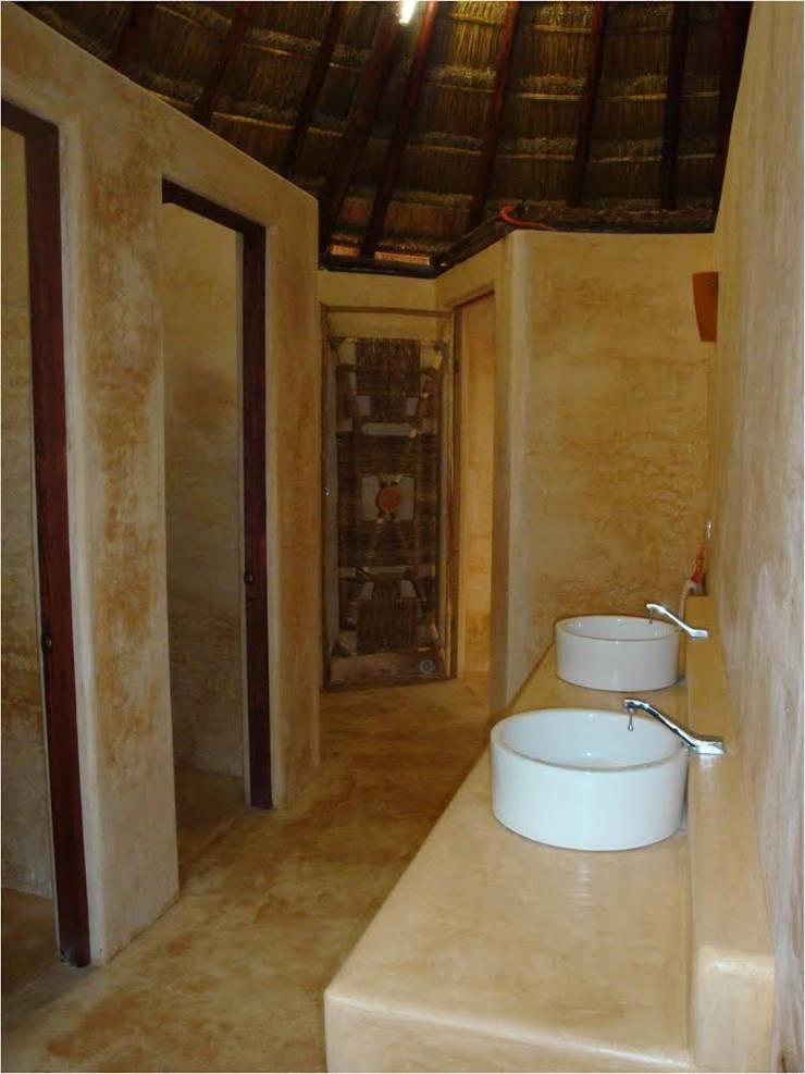 PALAPAS ZODZIL: Baños de estilo  por AIDA TRACONIS ARQUITECTOS EN MERIDA YUCATAN MEXICO