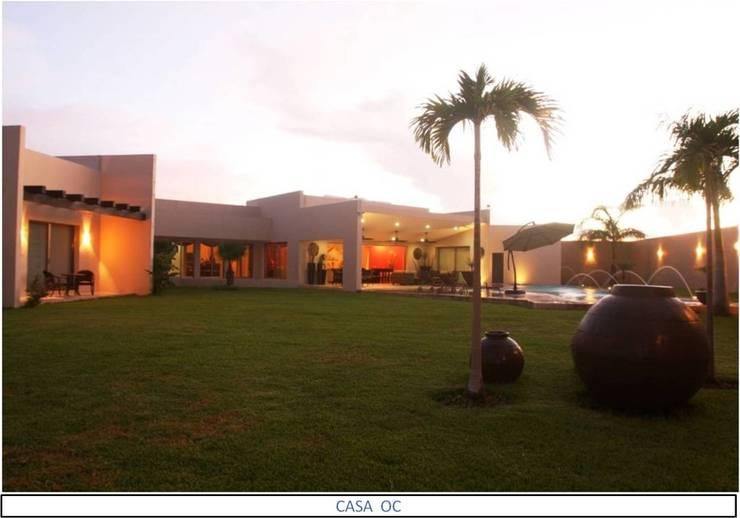 Casa OC: Jardines de estilo  por AIDA TRACONIS ARQUITECTOS EN MERIDA YUCATAN MEXICO