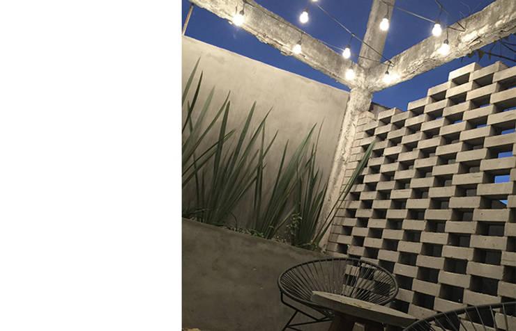 Terrazas de estilo  de MX Taller de Arquitectura & Diseño