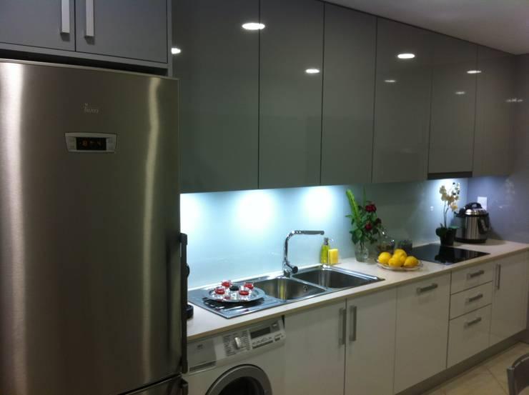 Cozinha em termolaminado :   por Ansidecor
