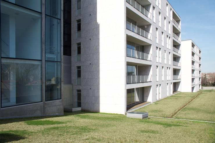 Douro á Vista: Jardins  por Lousinha Arquitectos