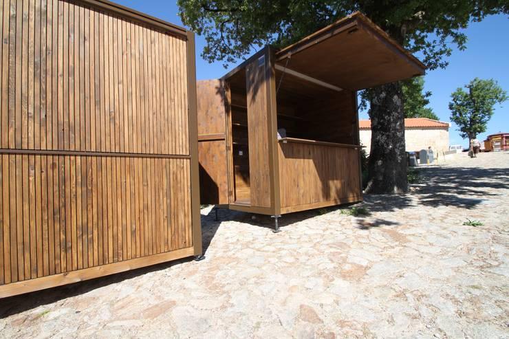 Quiosque : Escritórios e Espaços de trabalho  por Lousinha Arquitectos