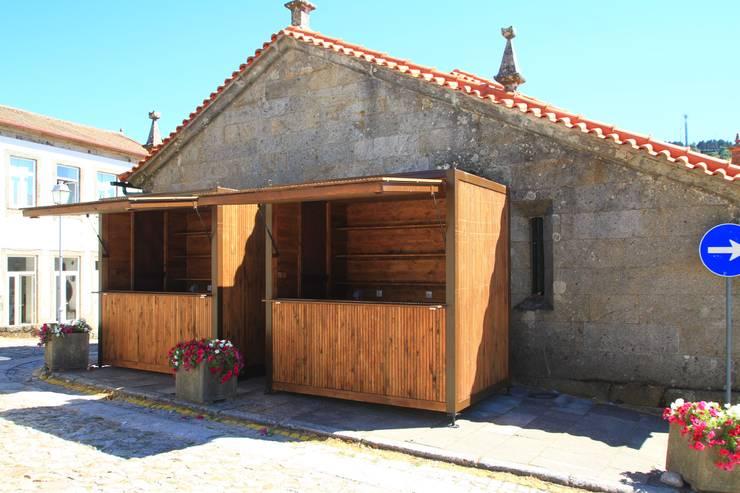 Estudios y oficinas de estilo rústico por Lousinha Arquitectos