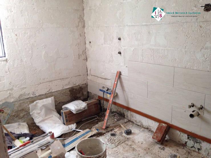 Remodelación Baño DI:  de estilo  por ISLAS & SERRANO ARQUITECTOS