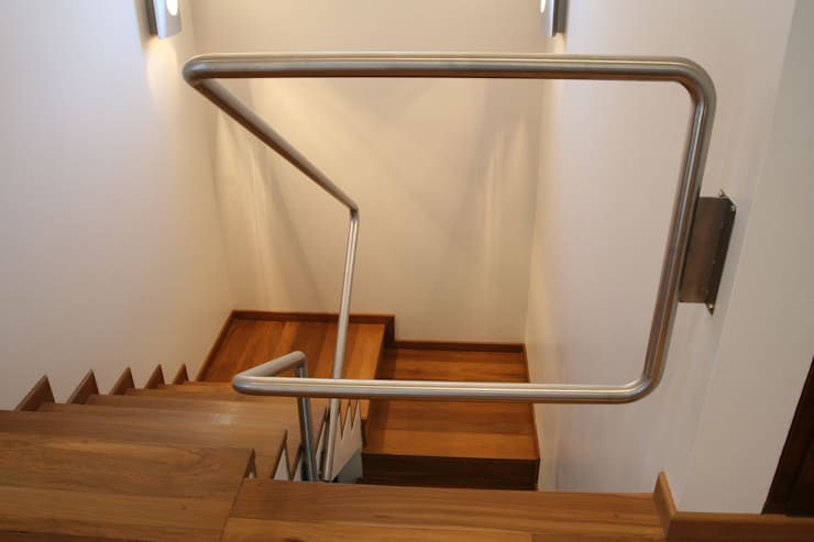 Corridor & hallway by Poggi Schmit Arquitectura