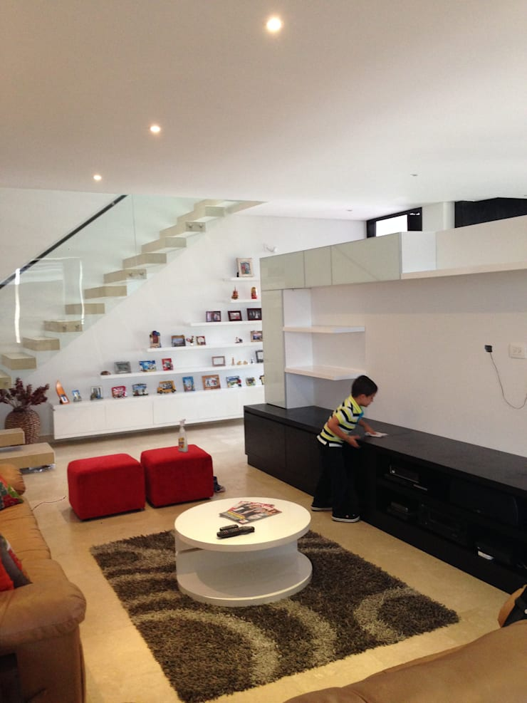Media room by John Robles Arquitectos