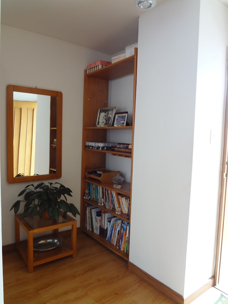 Biblioteca (antes):  de estilo  por John Robles Arquitectos