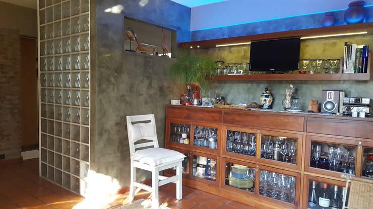 Espacio Gourmet : Livings de estilo  por Laura Avila Arquitecta