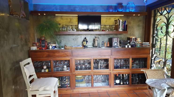 Diseño de un Espacio Gourmet en una casa de Buenos Aires: Livings de estilo  por Laura Avila Arquitecta - Ciudad de Buenos Aires,