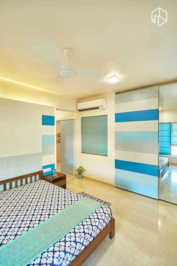 master bedroom:  Bedroom by iSTUDIO Architecture