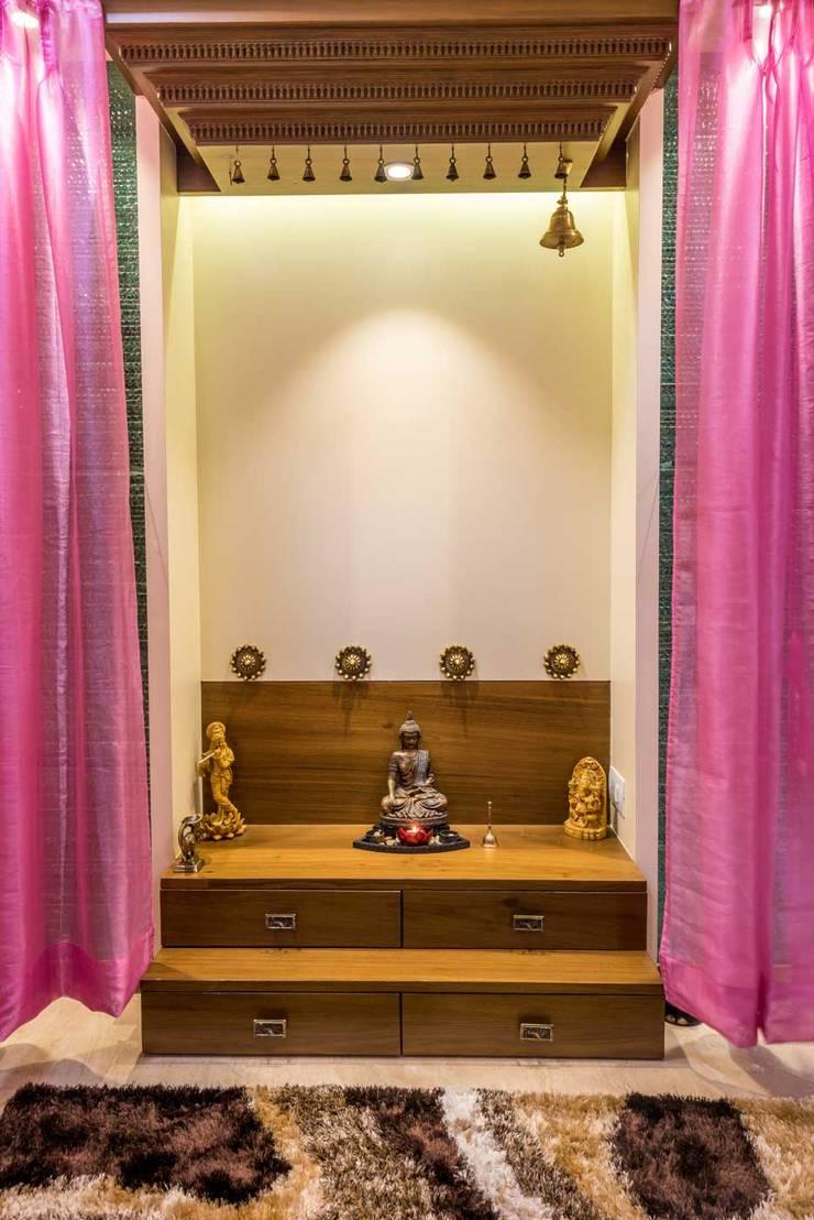 Temple: classic Bedroom by iSTUDIO Architecture