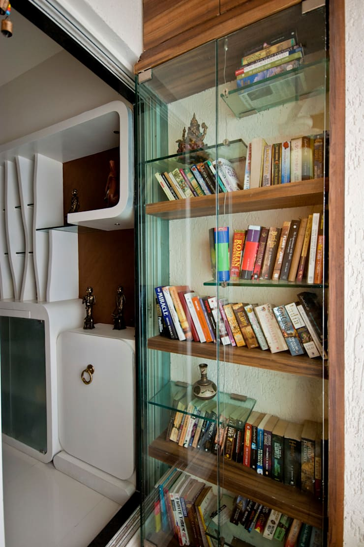 book shelf:  Balconies, verandas & terraces  by iSTUDIO Architecture