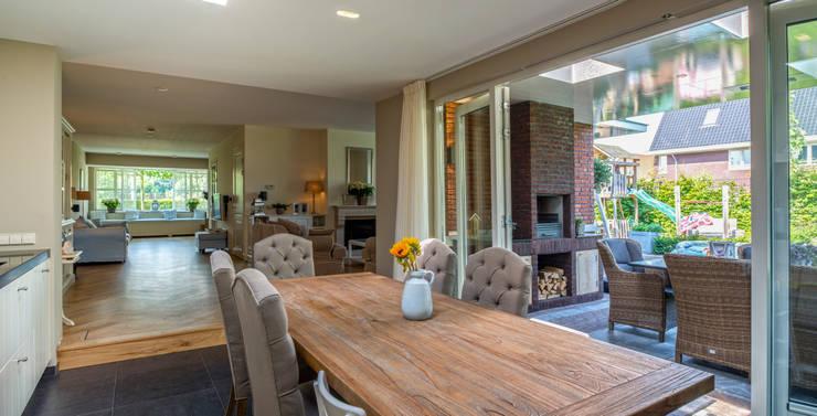 Verbouwing woonhuis Nootdorp:  Keuken door Architect2GO