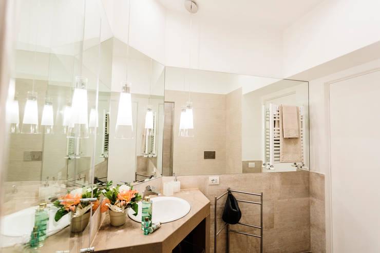 Projekty,  Łazienka zaprojektowane przez Loredana Vingelli Home Decor