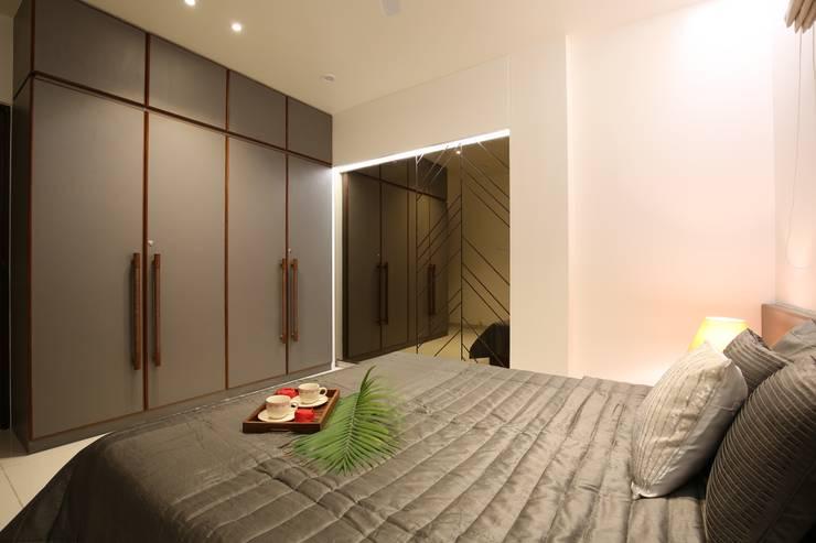 True Home: classic Bedroom by SPACEPLUS
