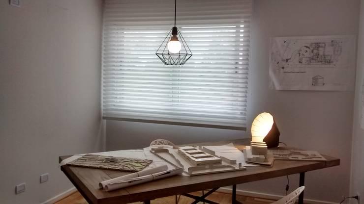 Estilo Pilar – Griscan Diseño / Iluminación: Oficinas y locales comerciales de estilo  por Griscan diseño iluminación