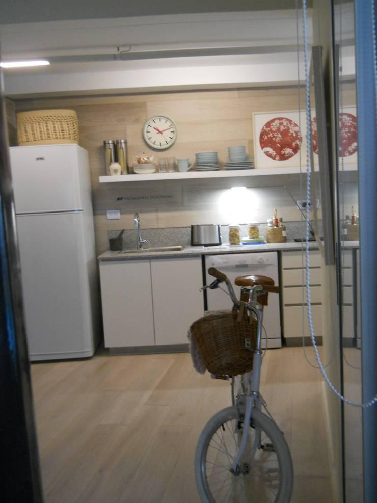 Estilo Pilar – Griscan Diseño / Iluminación: Cocinas de estilo  por Griscan diseño iluminación