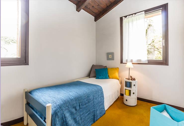 Dormitorios de estilo  por Boite Maison
