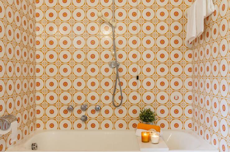 Baños de estilo  por Boite Maison