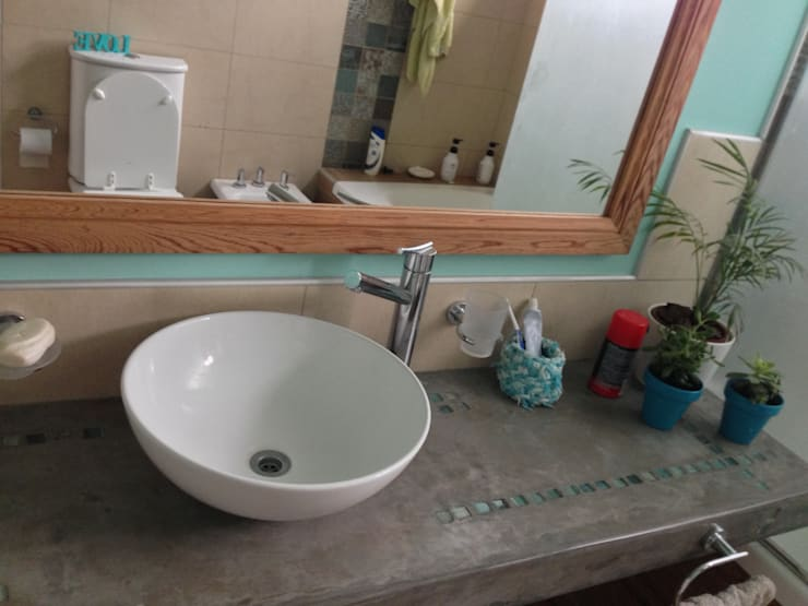 Baño en Aqua: Baños de estilo  por Arq Andrea Mei   - C O M E I -,