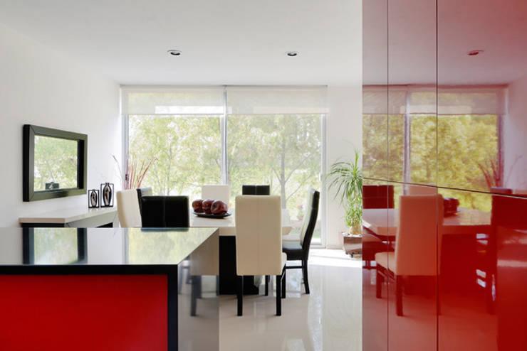 Projekty,  Jadalnia zaprojektowane przez Excelencia en Diseño