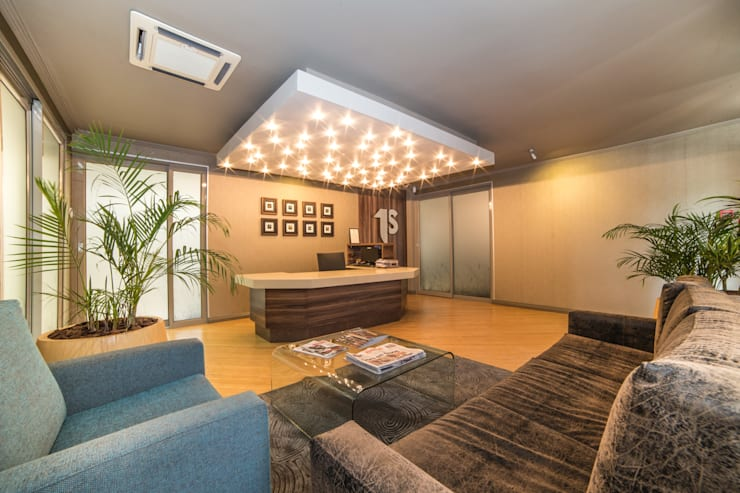 Reception:  Office buildings by Nuclei Lifestyle Design