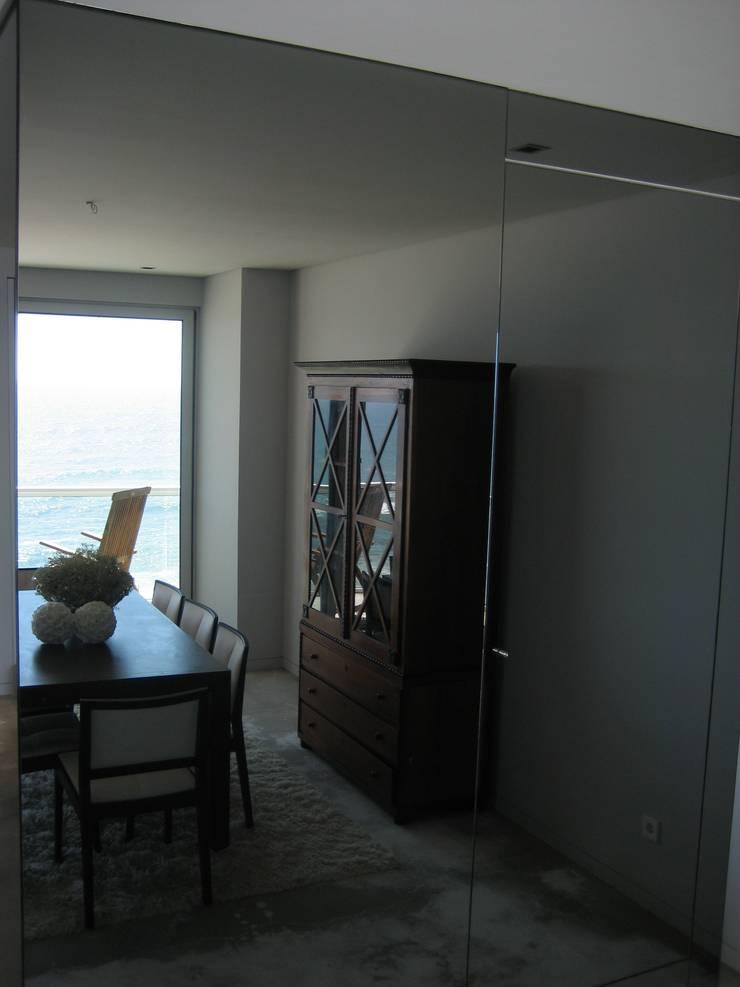 Sala de jantar: Salas de jantar  por GRAU.ZERO Arquitectura