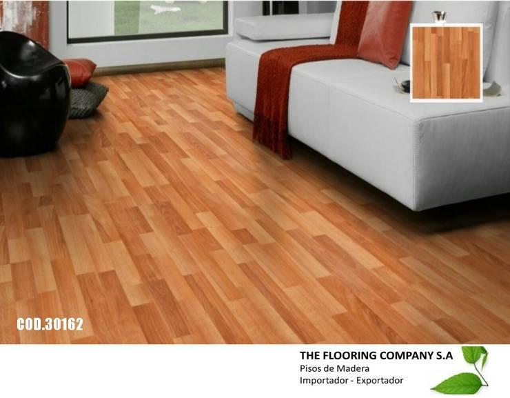 PISO FLOTANTE CLASSEN 7mm ALEMAN: Paredes y pisos de estilo  por THE FLOORING COMPANY S.A,