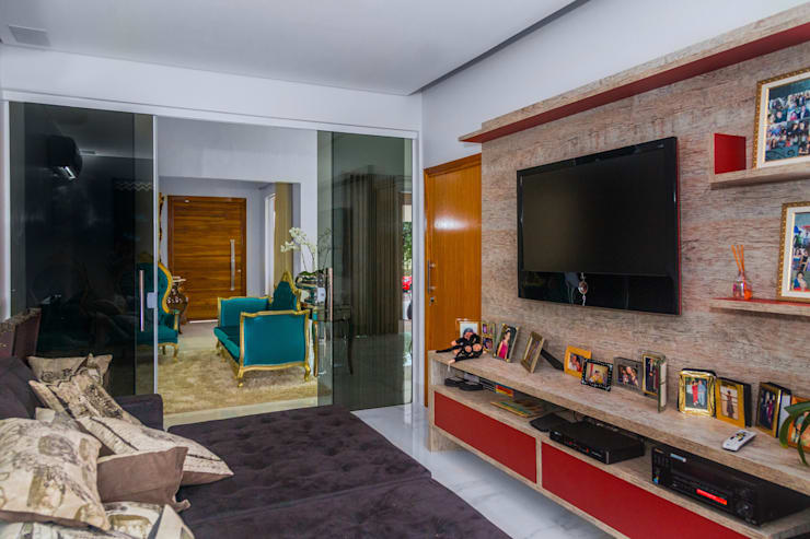 Projekty,  Pokój multimedialny zaprojektowane przez Daniele Galante Arquitetura