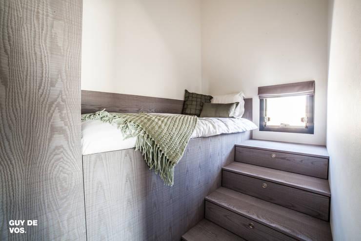 Punt-West: moderne Slaapkamer door Guy de Vos