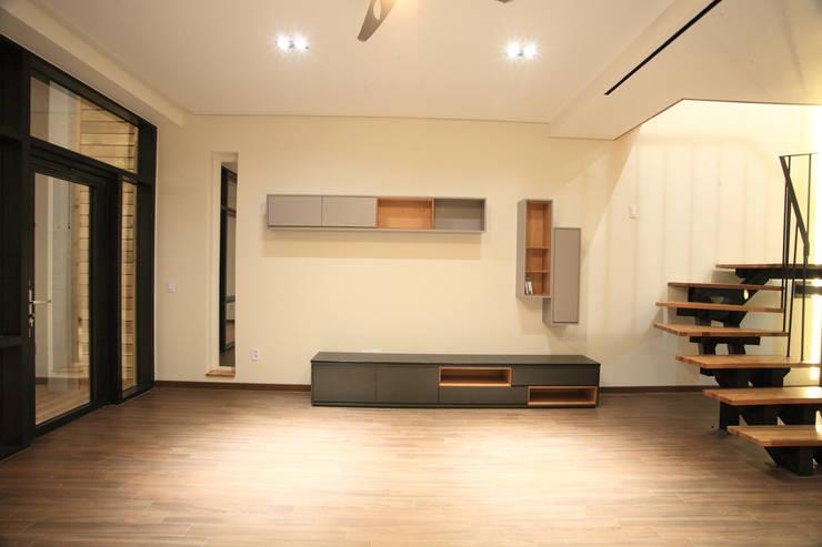 양평 M 하우스: SG international의 현대 ,모던