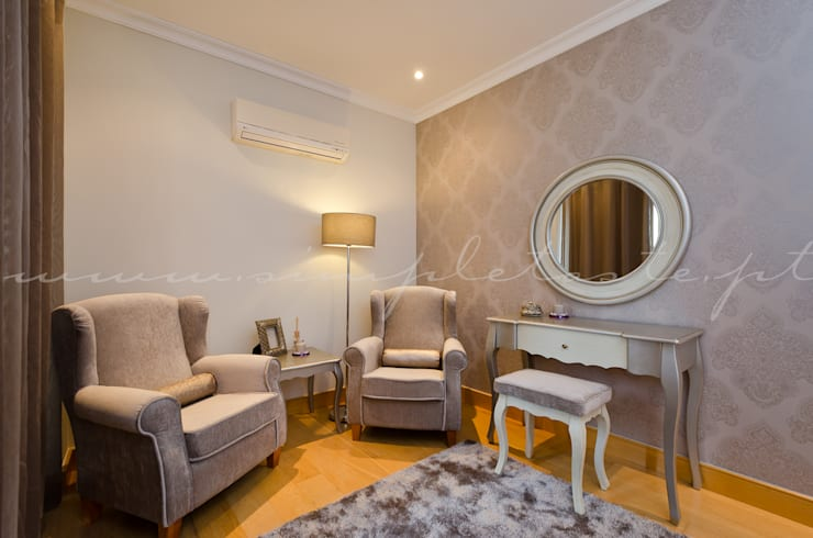 Private Interior Design Project - Apartment Vila Sol Palmyra: Quarto  por Simple Taste Interiors