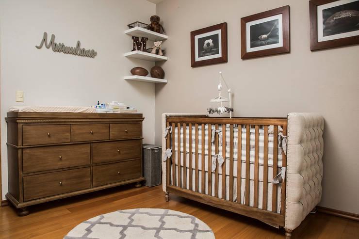 CUARTO BEBÉ 2: Habitaciones infantiles de estilo  por Ploka 8.7