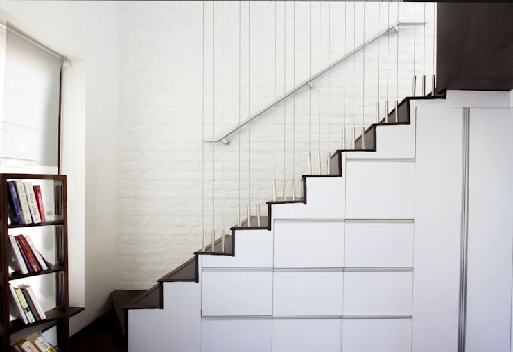 The Staircase - 1:  Corridor & hallway by Urban Shaastra
