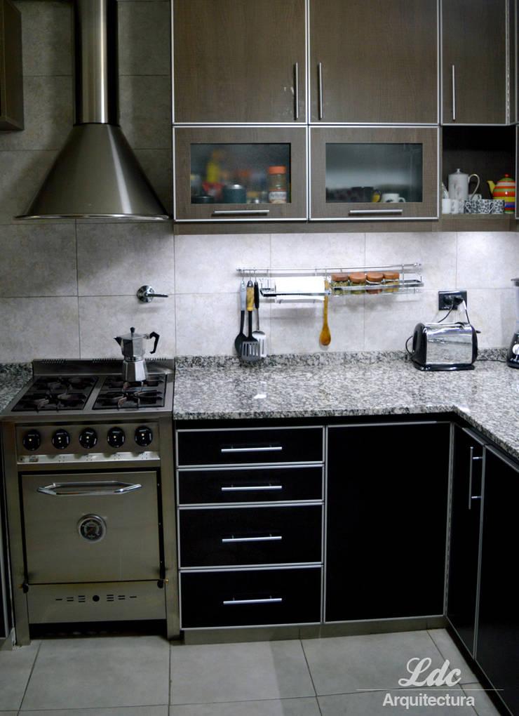 Reforma Cocina: Cocinas de estilo  por LDC Arquitectura