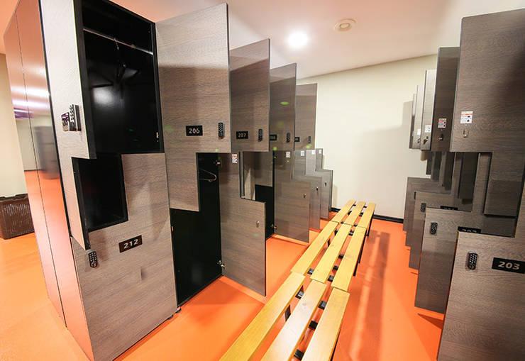 ArcorA Custom Made Furniture – Versus Sports_Ankara:  tarz Fitness Odası, Modern