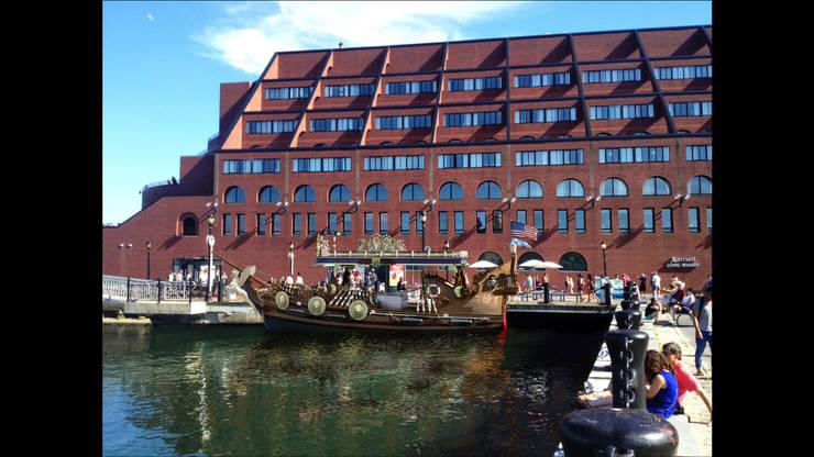 Лодка-закусочная <q> Barbarossa Catch</q> \ Бостон,США: Коммерческие помещения в . Автор – Sweet Home Design, Эклектичный