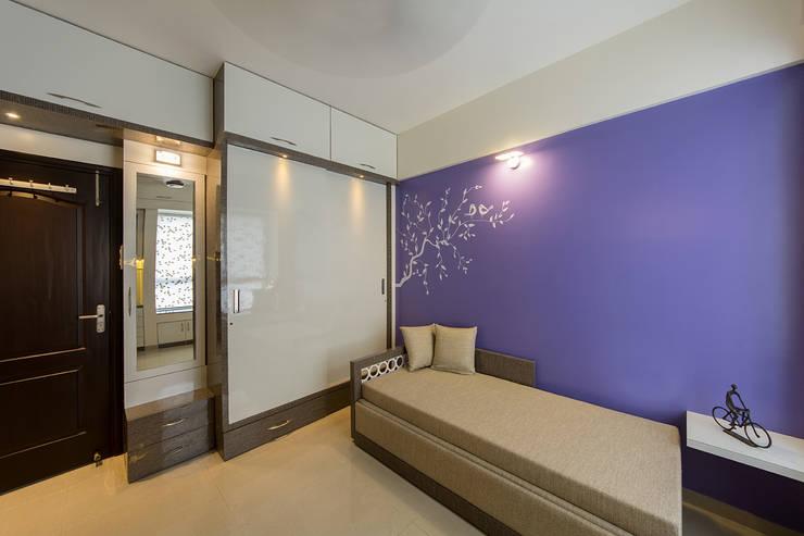 Wardrobe:  Bedroom by Navmiti Designs