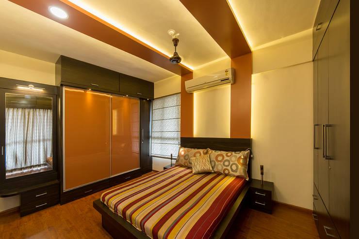 Master Bedroom:  Walls by Navmiti Designs