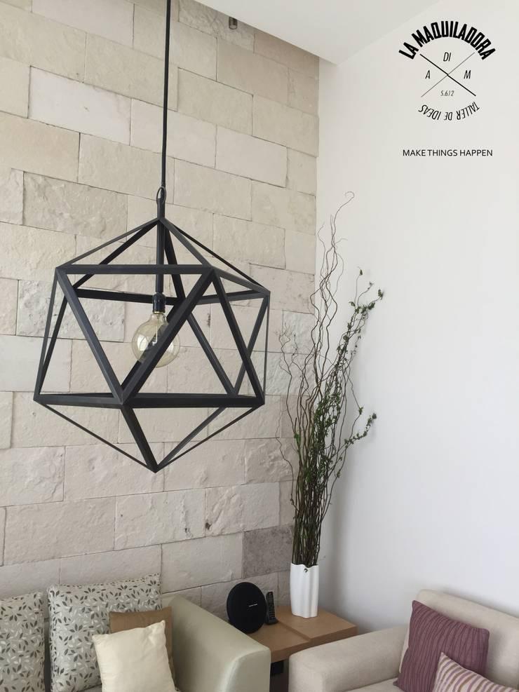 Casa Encinos (Remodelación): Salas de estilo  por La Maquiladora / taller de ideas