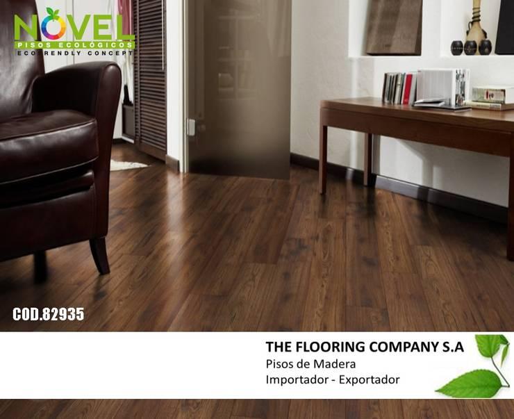 PISO FLOTANTE NOVEL DE 7MM: Paredes y pisos de estilo  por THE FLOORING COMPANY S.A