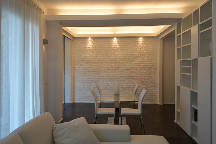 Salas de jantar  por Studio di Architettura Ortu Pillola e Associati