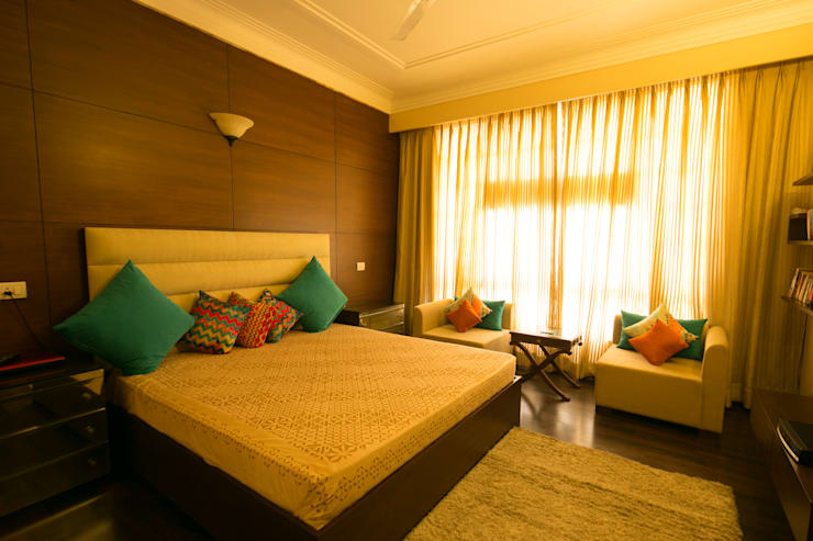 Hibiscus Gurgaon: modern Bedroom by ACQ Design