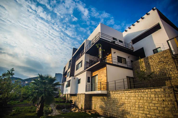 ICAZBALCETA Arquitectura y Diseño: modern tarz Evler