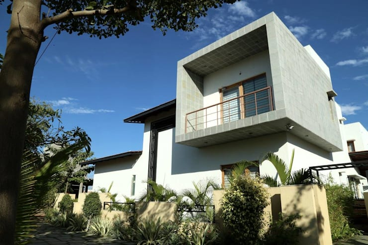 Kasliwal bungalows:  Houses by 4th axis design studio